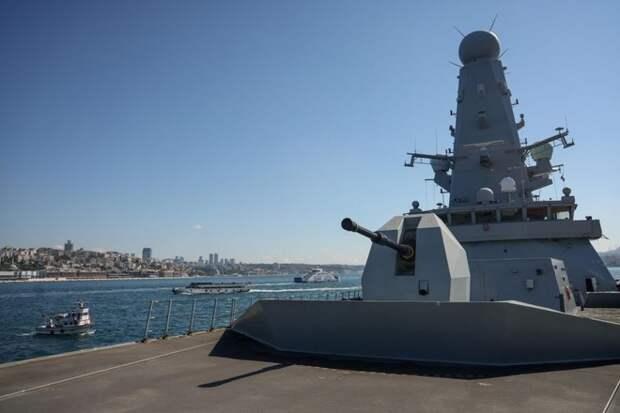 Американские СМИ оценили шансы эсминца Defender в поединке с Су-24М