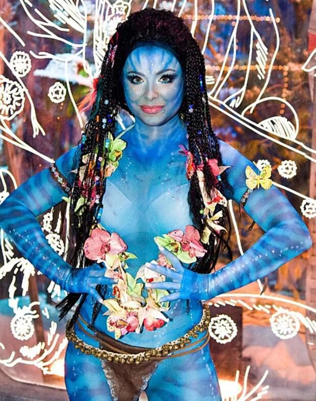 Кровь изглаз: самый трешовый макияж звезд на«Голубых огоньках»