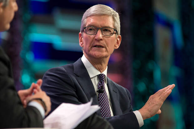 Тим Кук предсказал дефицит техники Apple