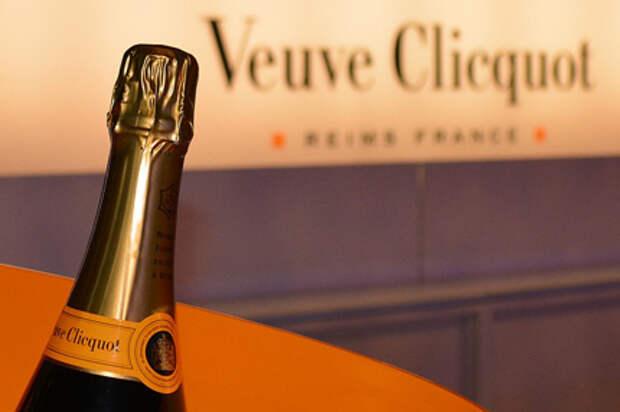"""ЕК выступает против """"закона о шампанском"""" в РФ, он может ударить по поставкам вин"""