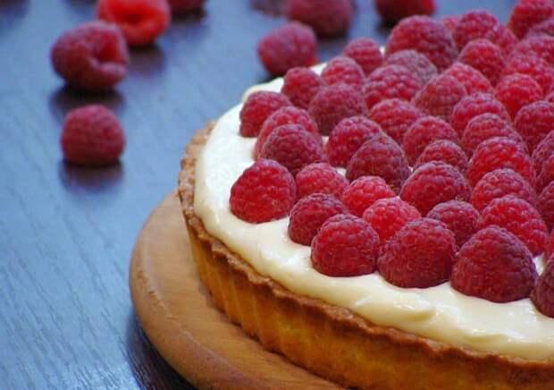 Малиновый пирог. Восхитительный десерт с нежным вкусом 12