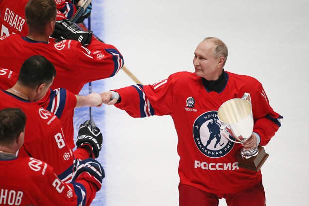 Путин забил восемь шайб в гала-матче Ночной хоккейной лиги