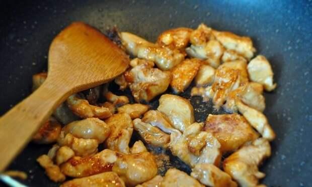 В Китае научили готовить курицу с овощами. Теперь готовлю только так.
