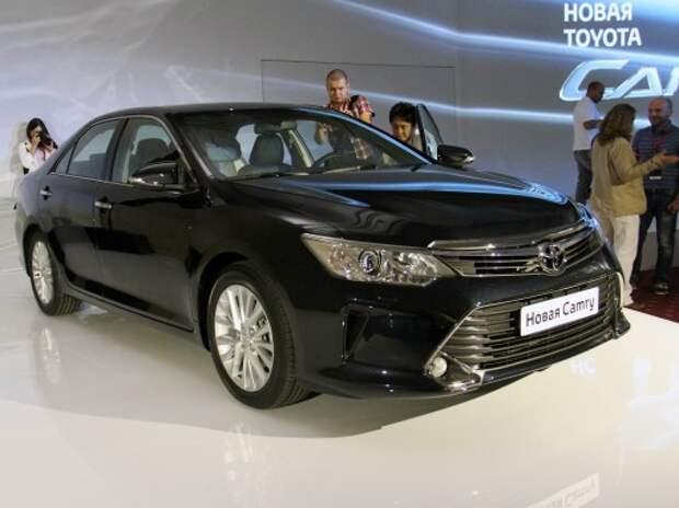 Появились цены на обновленую Toyota Camry