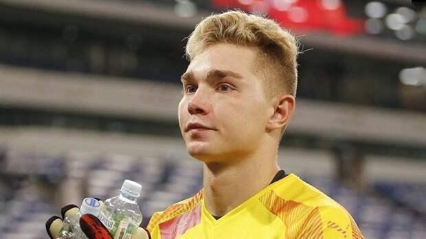 Вратарь «Крыльев Советов» рассказал обоскорблениях всоцсетях отболельщиков «Локомотива»
