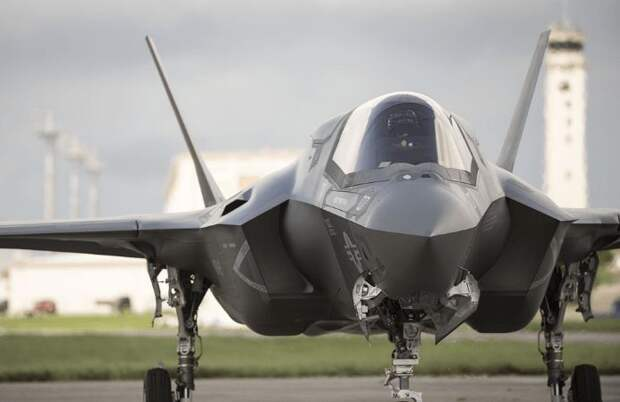 Центр подготовки пилотов ВВС к войне с Россией и Китаем открылся в США