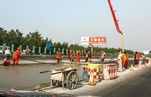 Технология строительства автодорог в Китае выглядить следующим образом: