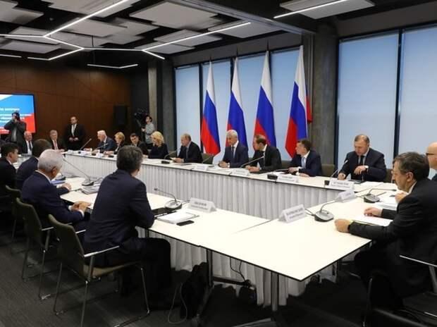 Путин в Петербурге устроил разнос: