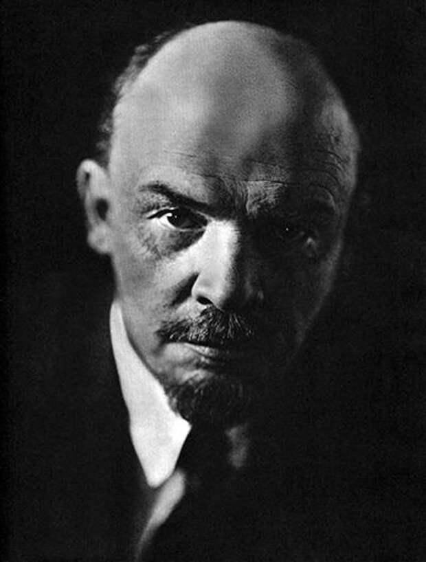 Портрет, июль 1920 года, Москва.