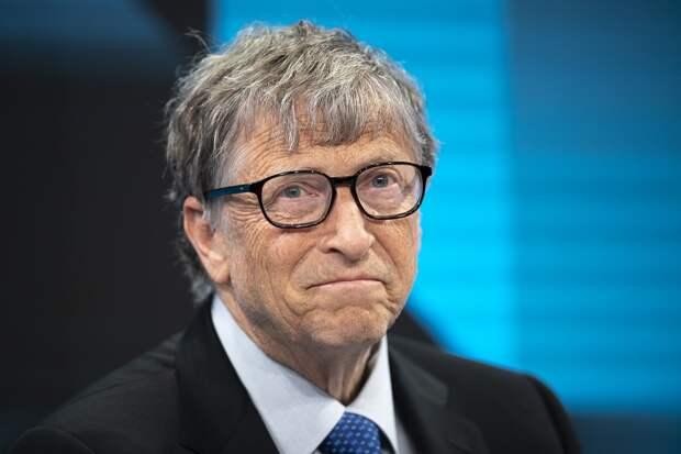 Билл Гейтс покидает Microsoft из-за отношений со своей коллегой