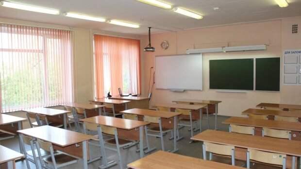 Более 125 классов в Петербурге перешли на удаленку с начала учебного года