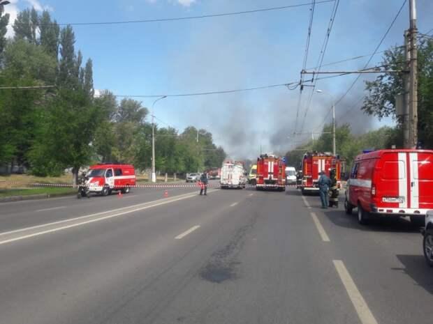При взрыве на заправке в Волгограде пострадали 13 человек