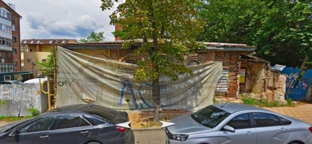 Разваливающееся историческое здание продают власти Ростова за13млн руб