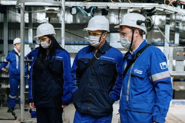 Завод посетила делегация из Татарстана / Фото: пресс-служба МНПЗ
