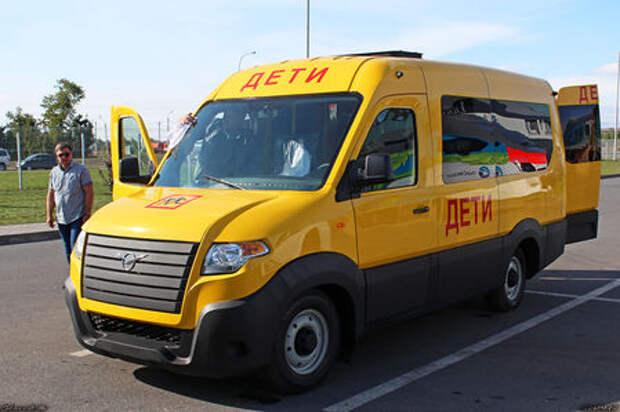 УАЗ сделал замену «буханке». Первые фото нового микроавтобуса