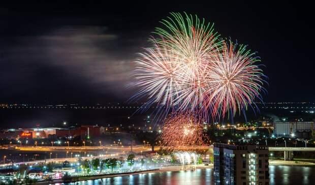 Позорищем назвали ростовчане салют вчесть Дня Победы наТеатральной площади