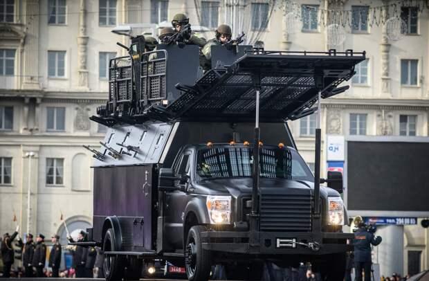 Лукашенко разрешил использовать боевую технику