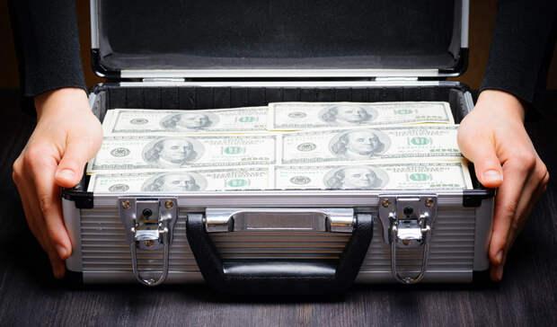 Состояние долларовых миллиардеров из РФ оценили в треть ВВП страны