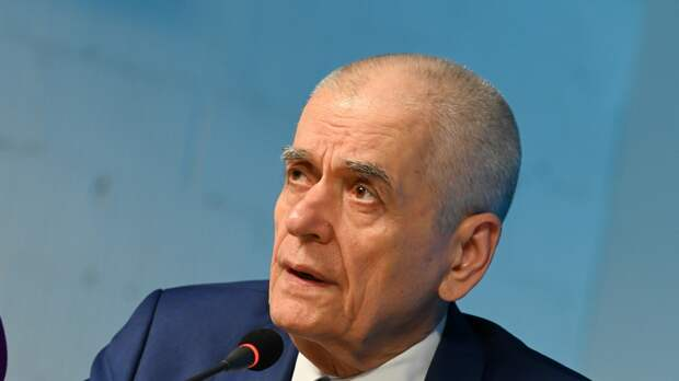 Онищенко объяснил, благодаря кому сохранилась Россия