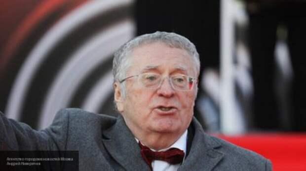 Жириновский предложил решить конфликт в Карабахе с помощью застолья