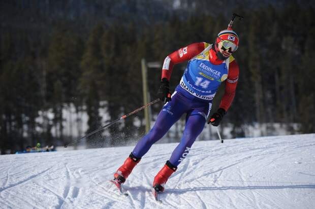 Биатлониста Лапшина дисквалифицировали на год за допинг 9-летней давности