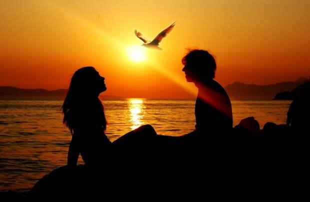 15 подсказок Эриха Фромма тем, кто ищет настоящую любовь.