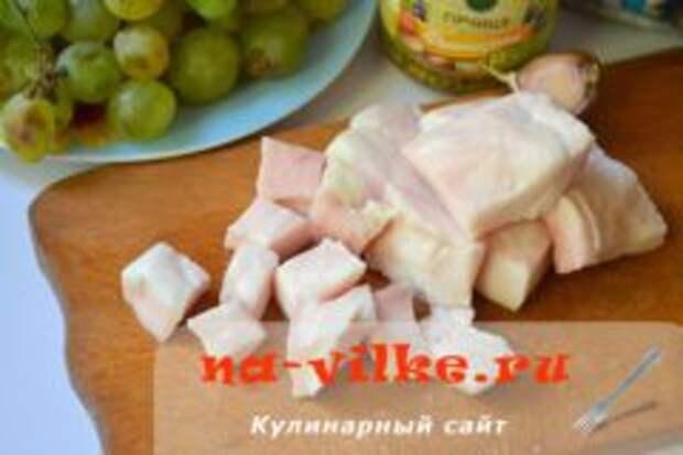 Паштет из куриной печени с салом и грецкими орехами