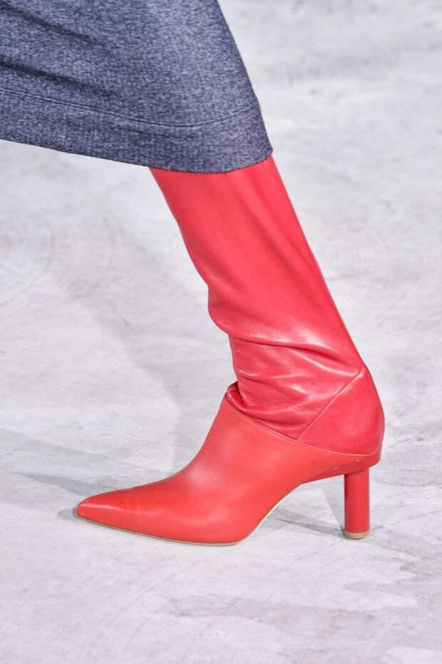 Красные сапоги с круглым каблуком Tibi