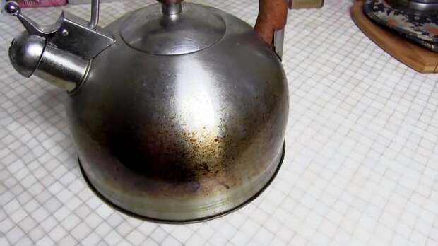 Как очистить посуду от нагара и жира за 10 минут - делаем суперочиститель своими руками