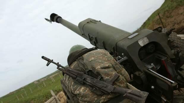 Военнослужащий на артиллерийской позиции в зоне карабахского конфликта - РИА Новости, 1920, 02.10.2020