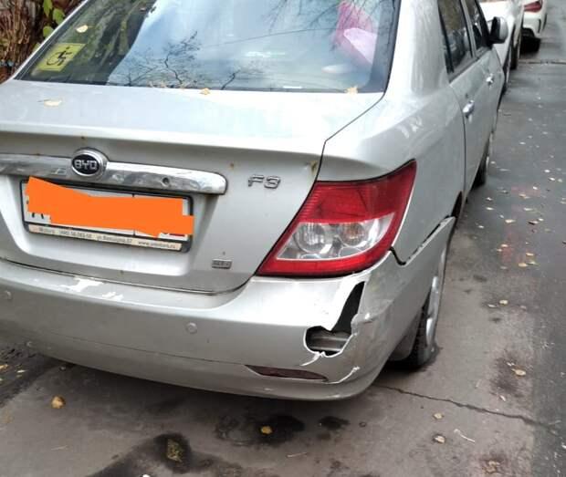 Хулиганы разбили машину на проспекте Маршала Жукова