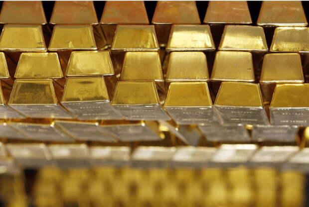 Золото подорожало на 7% менее чем за 1,5 месяца с начала апреля