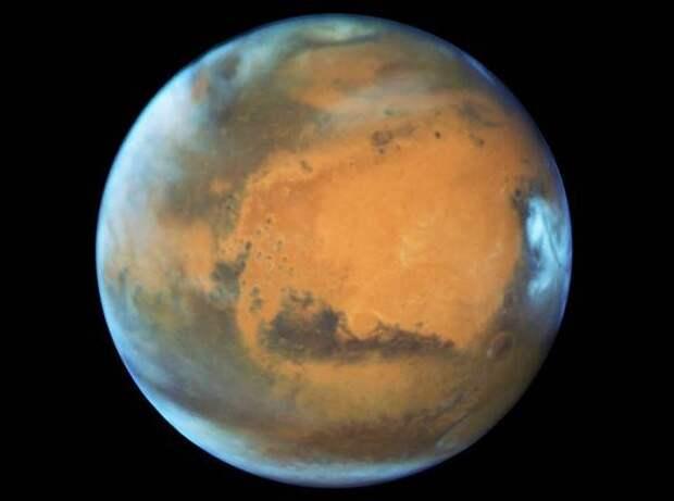 Китайский космический аппарат приземлился на Марсе