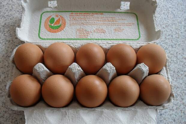 Почему наши хозяйки ищут отборные яйца, а европейские — «куриный горох»