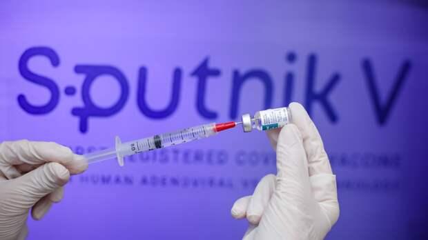В Петербурге вакцинацию от COVID-19 прошли более полумиллиона человек