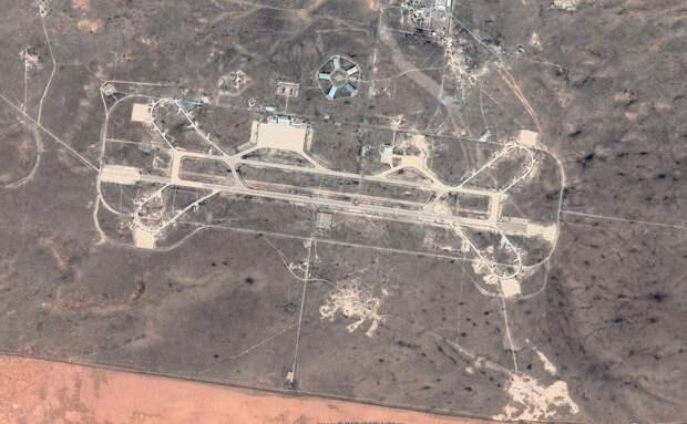 """Турецкие СМИ нашли на спутниковых снимках Ливии """"огромную военную базу России"""""""