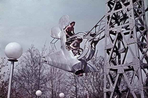 Как советские люди отдыхали в парках