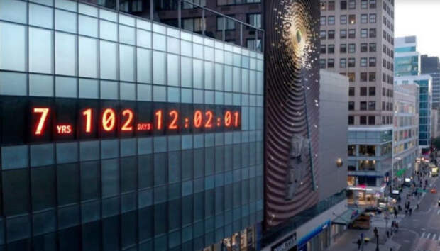 цифровые часы на манхэттене в нью-йорке