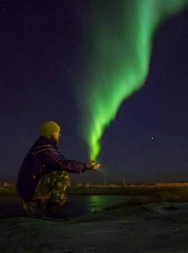 Северное сияние в ладошках.   Фото: Droll Nation.