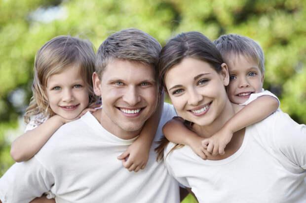 Лучшие семьи Тверской области получат по 100 тысяч рублей