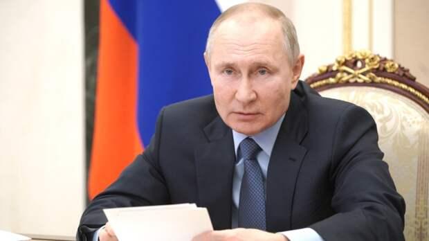 Владимир Путин призвал ужесточить контроль за оборотом оружия в России