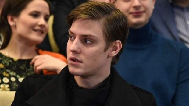 25-летний сын покойного Табакова год скрывал новорожденную дочь