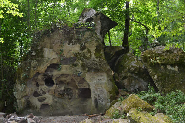 Сырный камень на горе Бытха. Листайте галерею!