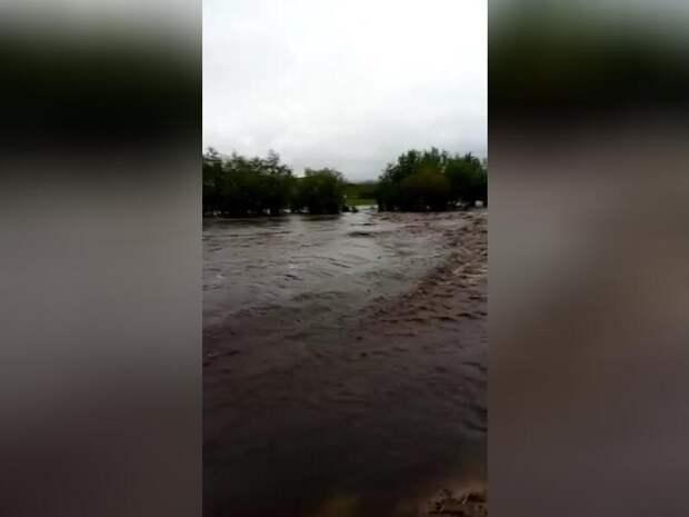 Горный ручей в селе Шивки превратился в бушующую реку