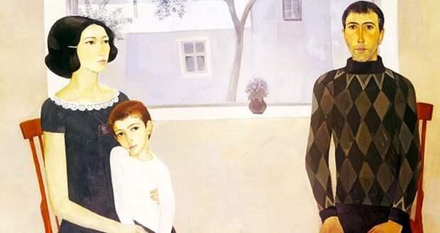 В одном семействе сын торжественно объявил о том, что больше не любит жену