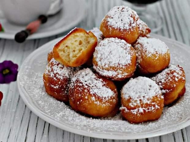 Ароматные и пышные пончики — вкусный десерт для самых любимых!