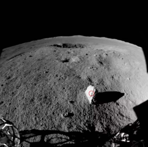 Китайский луноход Yutu-2 обнаружил «километровый столбик» на обратной стороне Луны