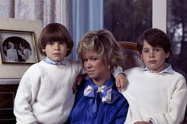 Кристин с сыновьями | Фото: tvc.ru