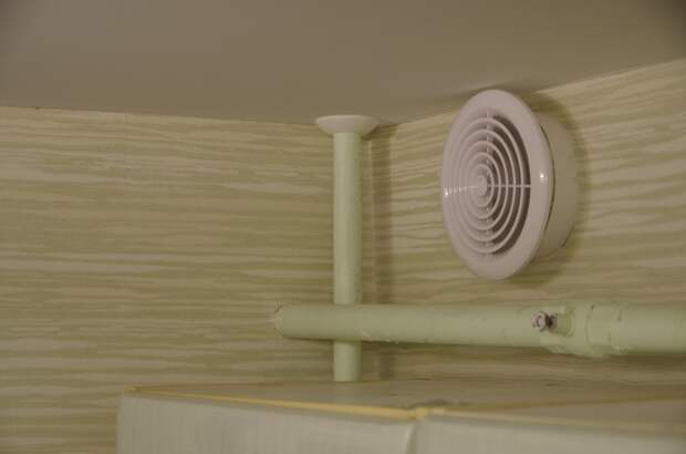 Обрезка и обводы труб натяжные потолки, потолок, ремонт