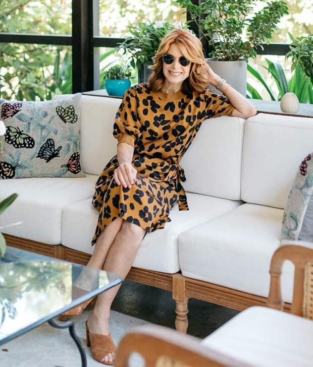 Стильные образы с платьем для женщин 50+: Как выглядеть женственно этой осенью